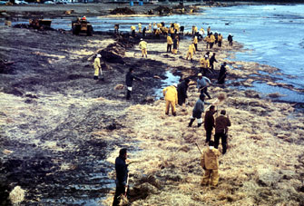the problem of oil spills and water pollution in alaska Alaska department of environmental conservation page 1  spill prevention and response division environmental cleanup methods  it works best for oil-type spills.